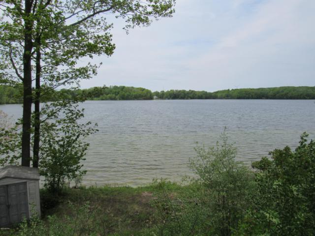 W Waters Edge Drive #5, Scottville, MI 49454 (MLS #19009982) :: Deb Stevenson Group - Greenridge Realty