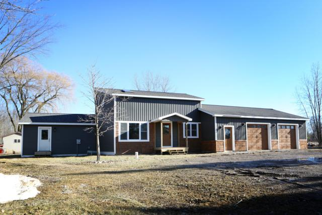 1289 Church Road NW, Edmore, MI 48829 (MLS #19010641) :: Matt Mulder Home Selling Team