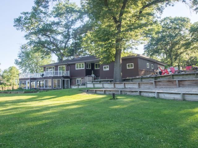 260 Birch Drive, Muskegon, MI 49445 (MLS #19010922) :: Deb Stevenson Group - Greenridge Realty