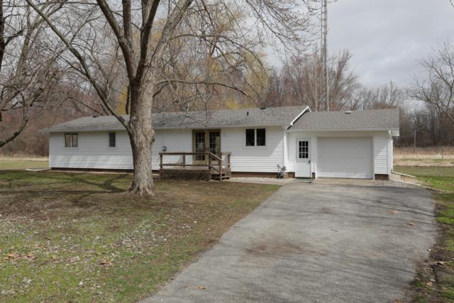 118 Riverside Drive, Burr Oak, MI 49030 (MLS #19012681) :: Matt Mulder Home Selling Team