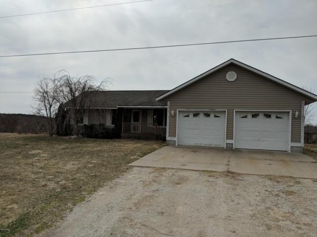 1113 E Riley Thompson Road, Muskegon, MI 49445 (MLS #19013055) :: Matt Mulder Home Selling Team