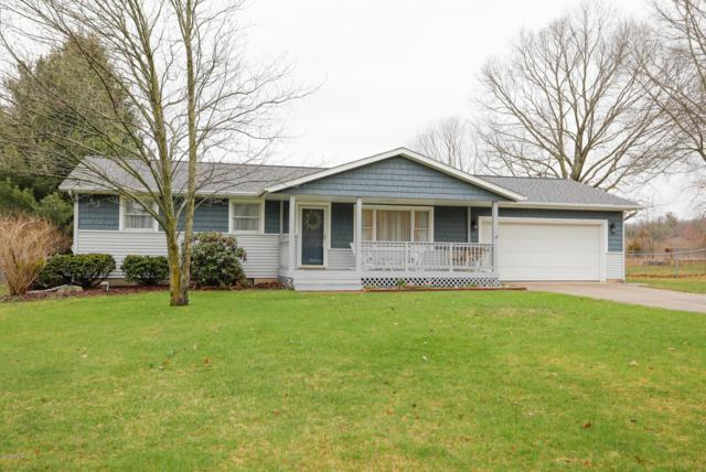 22322 Woodhenge Drive, Mattawan, MI 49071 (MLS #19013202) :: Matt Mulder Home Selling Team