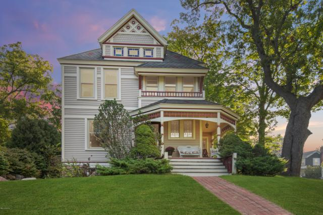 403 N Washington Street, Lowell, MI 49331 (MLS #19013916) :: CENTURY 21 C. Howard