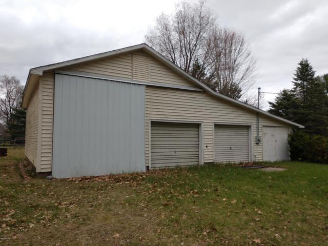 546 Walnut, Lakeview, MI 48850 (MLS #19014452) :: Matt Mulder Home Selling Team