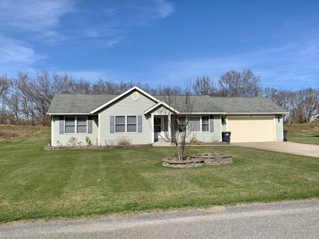 3000 Maplewood, Benton Harbor, MI 49022 (MLS #19014604) :: Deb Stevenson Group - Greenridge Realty
