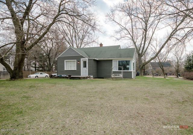 17489 Ridge Avenue, Spring Lake, MI 49456 (MLS #19014857) :: Matt Mulder Home Selling Team