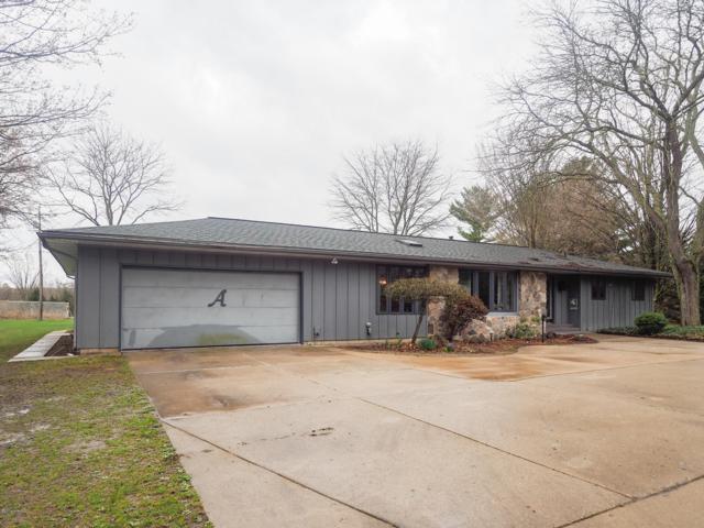 14902 N A Drive, Marshall, MI 49068 (MLS #19015436) :: Matt Mulder Home Selling Team