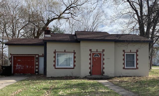 325 W Waterloo Street, Big Rapids, MI 49307 (MLS #19015481) :: Deb Stevenson Group - Greenridge Realty