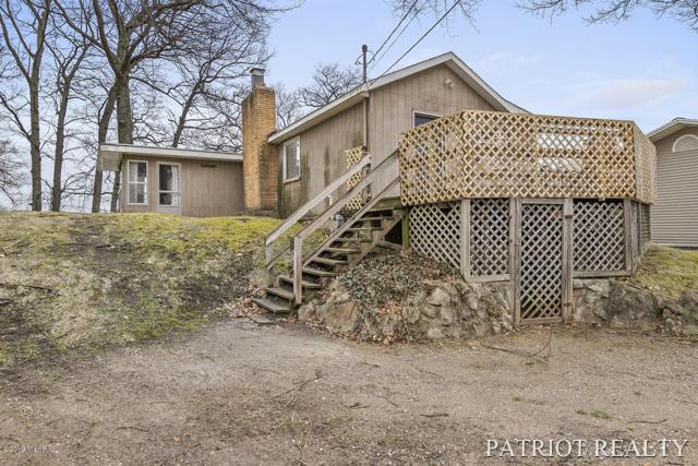 9384 Redwood Drive, Newaygo, MI 49337 (MLS #19015721) :: CENTURY 21 C. Howard