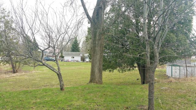 315 S Sears, Reed City, MI 49677 (MLS #19020382) :: Deb Stevenson Group - Greenridge Realty