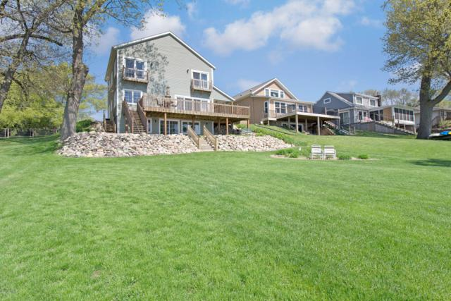15215 S Barton Lake Drive, Vicksburg, MI 49097 (MLS #19021318) :: Matt Mulder Home Selling Team
