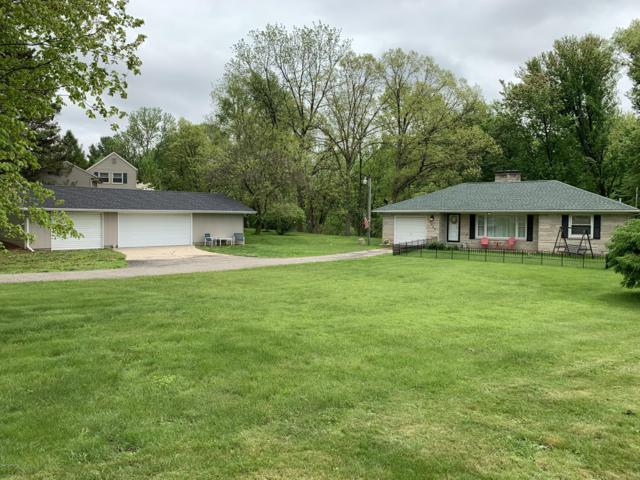 19060 Partello Road, Marshall, MI 49068 (MLS #19022635) :: Matt Mulder Home Selling Team