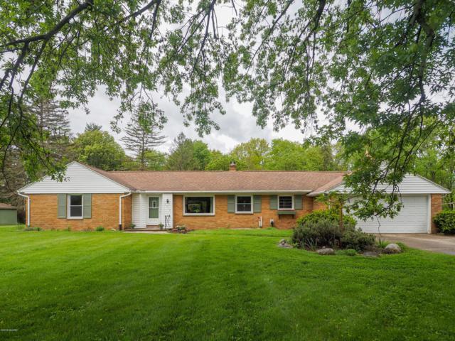 2325 Clark Avenue, Kalamazoo, MI 49048 (MLS #19022662) :: Matt Mulder Home Selling Team