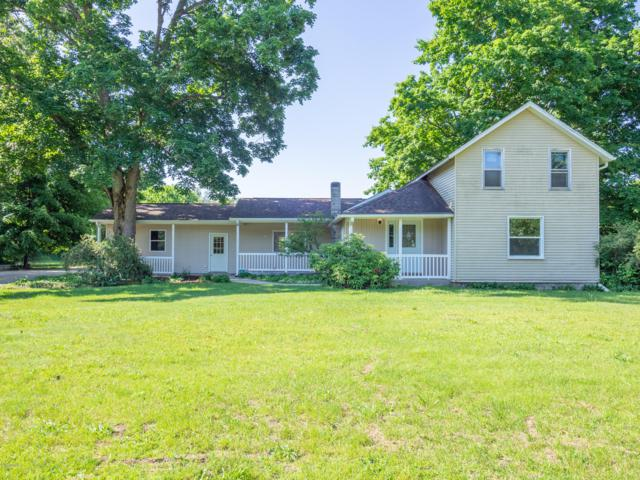 32435 Cr 669, Lawton, MI 49065 (MLS #19026126) :: Matt Mulder Home Selling Team