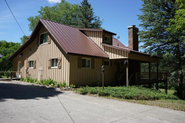 2960 S 13 Road, Harrietta, MI 49638 (MLS #19026399) :: Deb Stevenson Group - Greenridge Realty