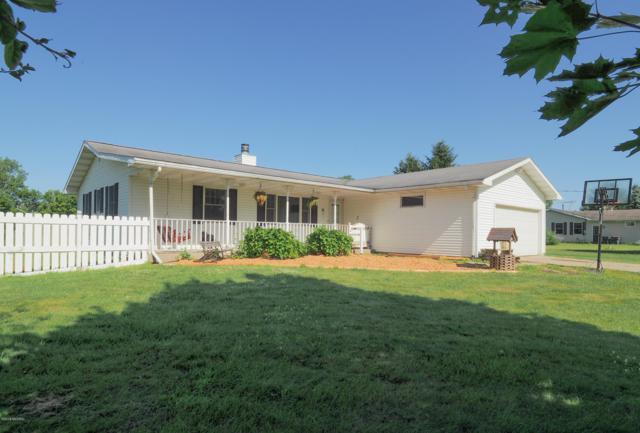 11600 32nd Street, Vicksburg, MI 49097 (MLS #19031409) :: Matt Mulder Home Selling Team