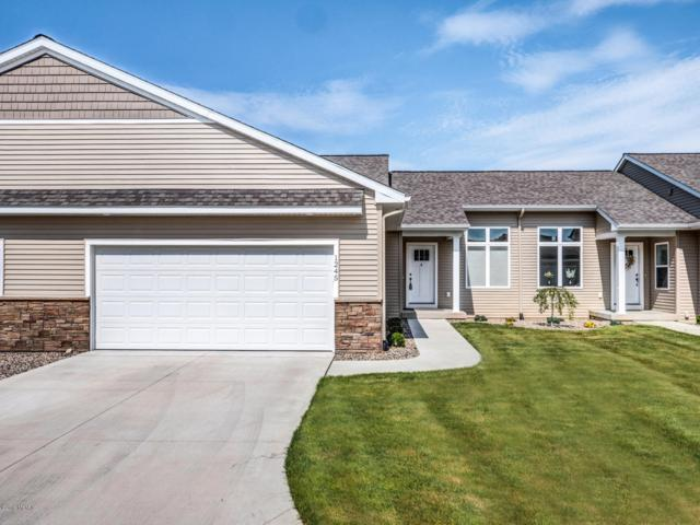 1245 S Village Circle #40, Kalamazoo, MI 49009 (MLS #19031531) :: Deb Stevenson Group - Greenridge Realty