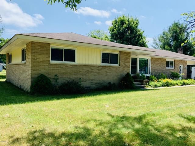 24 E Mavis Road, Scottville, MI 49454 (MLS #19032830) :: Deb Stevenson Group - Greenridge Realty