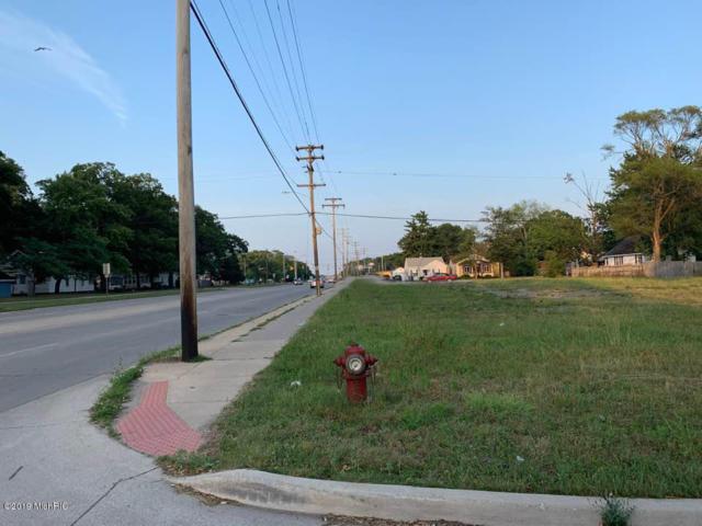 721 E Laketon Avenue, Muskegon, MI 49442 (MLS #19033126) :: Deb Stevenson Group - Greenridge Realty