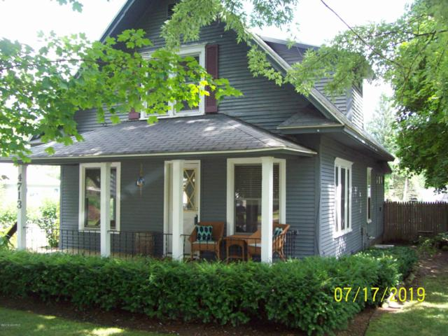 4713 North Street, Benton Harbor, MI 49022 (MLS #19033408) :: Deb Stevenson Group - Greenridge Realty