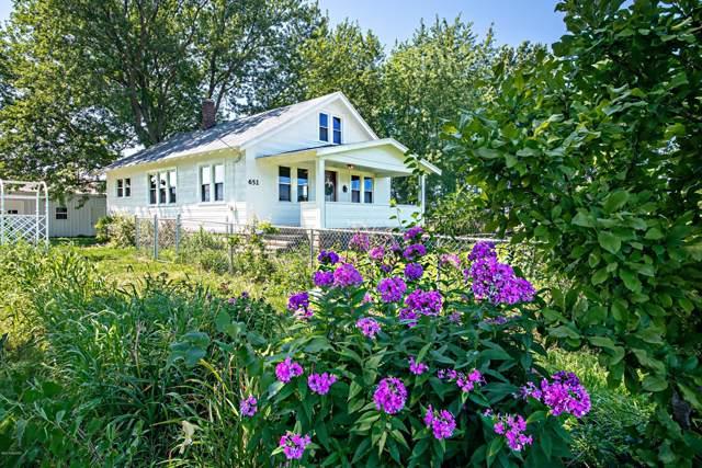 652 W Hinchman Road, Baroda, MI 49101 (MLS #19038499) :: Deb Stevenson Group - Greenridge Realty