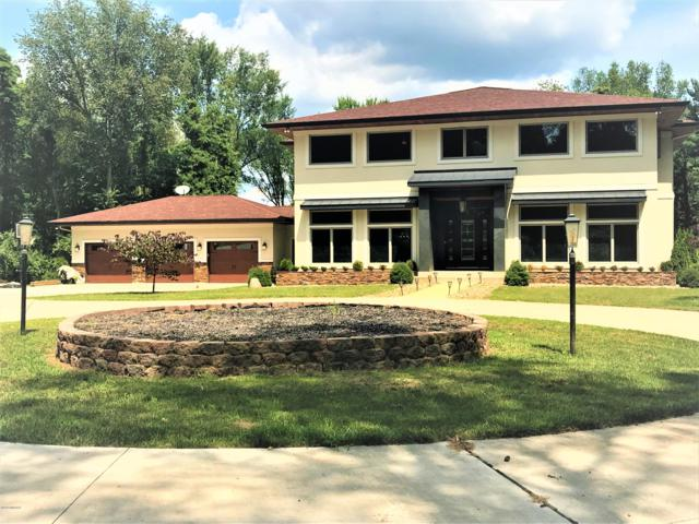 68634 West Banks Drive, Edwardsburg, MI 49112 (MLS #19038960) :: JH Realty Partners