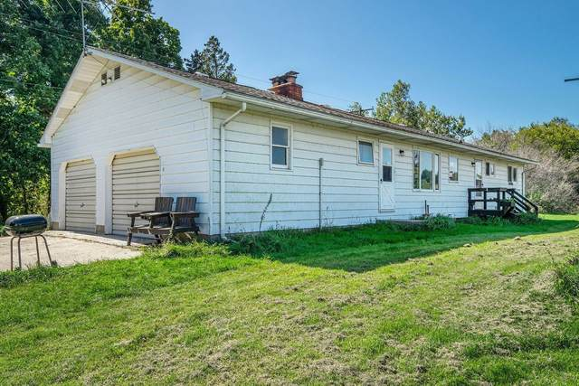 4015 E Cloverdale Road, Hastings, MI 49058 (MLS #19047775) :: Jennifer Lane-Alwan