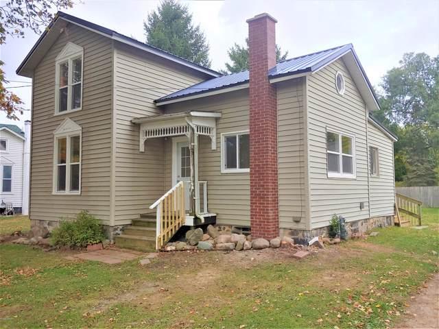 428 N Swan Street, Colon, MI 49040 (MLS #19051111) :: Deb Stevenson Group - Greenridge Realty