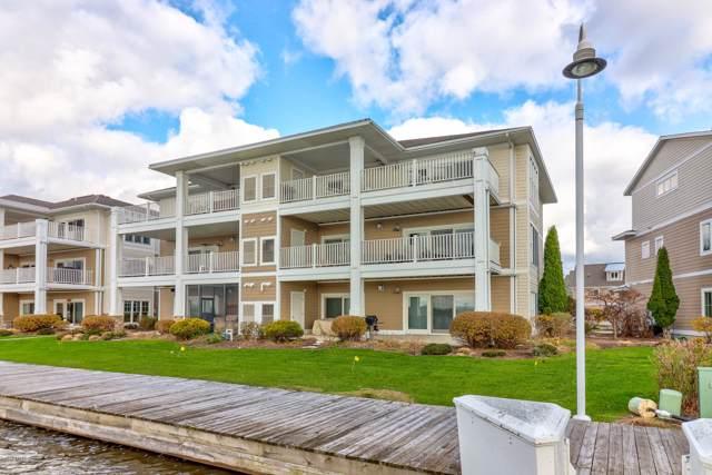 930 W Savidge Street #20, Spring Lake, MI 49456 (MLS #19053263) :: Deb Stevenson Group - Greenridge Realty
