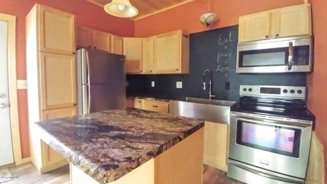 7161 210th Avenue, Reed City, MI 49677 (MLS #19053862) :: Deb Stevenson Group - Greenridge Realty
