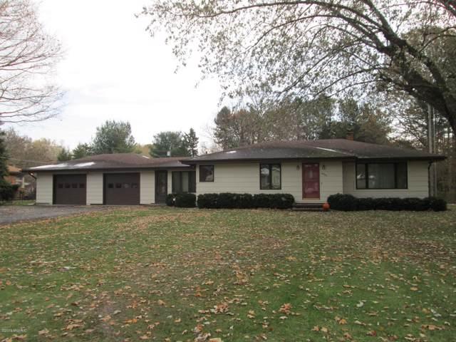 4939 S Roosevelt Road, Stevensville, MI 49127 (MLS #19054968) :: JH Realty Partners