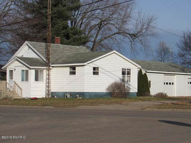 710 N Matteson Street, Bronson, MI 49028 (MLS #19056434) :: Deb Stevenson Group - Greenridge Realty