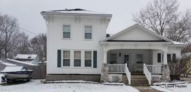 62 Center Street, Saranac, MI 48881 (MLS #19056503) :: Deb Stevenson Group - Greenridge Realty