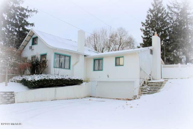 200 S Broad Street, Hillsdale, MI 49242 (MLS #19058257) :: Deb Stevenson Group - Greenridge Realty