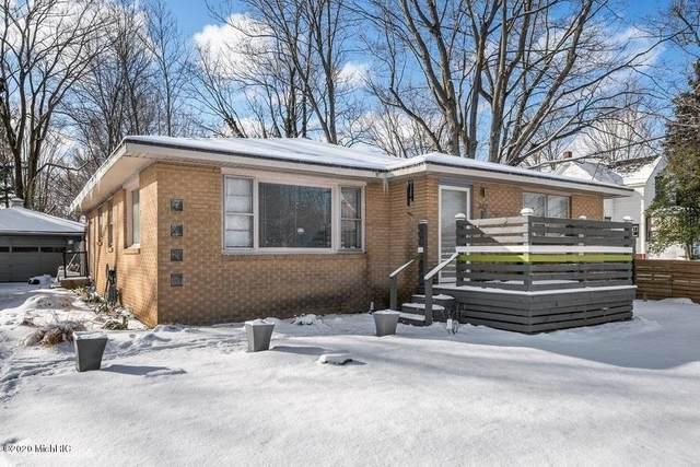 342 E Napier Avenue, Benton Harbor, MI 49022 (MLS #20005268) :: Deb Stevenson Group - Greenridge Realty