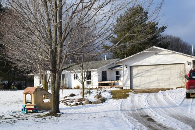 40244 52nd Street, Lawrence, MI 49064 (MLS #20005386) :: Deb Stevenson Group - Greenridge Realty