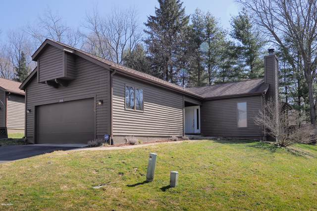 2516 Highpointe Drive, Kalamazoo, MI 49008 (MLS #20006785) :: Jennifer Lane-Alwan