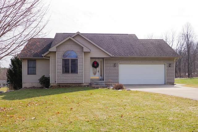 2108 Fox Mountain Drive, Otsego, MI 49078 (MLS #20007541) :: Matt Mulder Home Selling Team