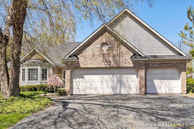 3777 Iris Drive SW, Grandville, MI 49418 (MLS #20013956) :: Deb Stevenson Group - Greenridge Realty