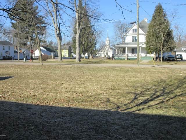 404 N Niles Street, Paw Paw, MI 49079 (MLS #20016098) :: Deb Stevenson Group - Greenridge Realty