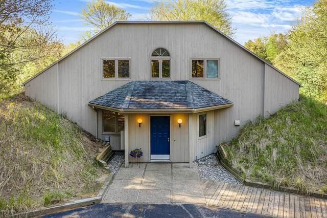 17060 Aliquot Drive, West Olive, MI 49460 (MLS #20017100) :: Keller Williams Realty | Kalamazoo Market Center