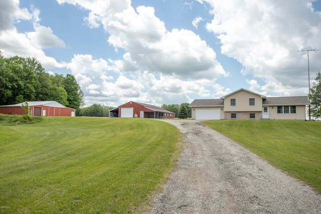 7779 200th Avenue, Stanwood, MI 49346 (MLS #20019119) :: CENTURY 21 C. Howard