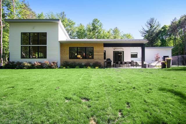 11437 State Road, Nunica, MI 49448 (MLS #20022343) :: Deb Stevenson Group - Greenridge Realty