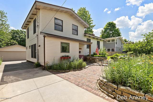 1138 Pinecrest Avenue SE, East Grand Rapids, MI 49506 (MLS #20025603) :: JH Realty Partners