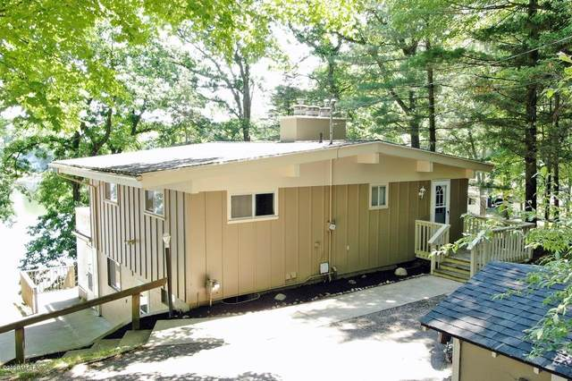 9050 St. Ives Drive, Stanwood, MI 49346 (MLS #20025644) :: Jennifer Lane-Alwan