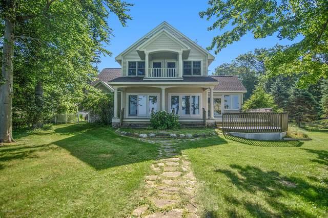 7193 Cottage Lane, South Haven, MI 49090 (MLS #20026236) :: Jennifer Lane-Alwan