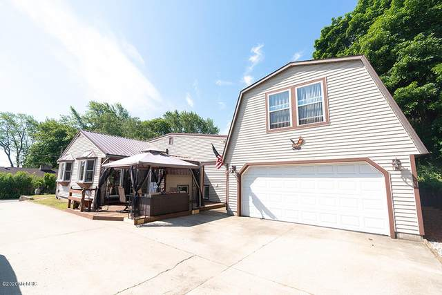 1010 Central Avenue, North Muskegon, MI 49445 (MLS #20026606) :: JH Realty Partners
