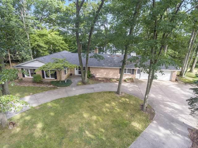 422 Lake Drive, Allegan, MI 49010 (MLS #20030397) :: Jennifer Lane-Alwan