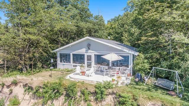 1140 Edgewater Terrace, South Haven, MI 49090 (MLS #20034224) :: Ron Ekema Team