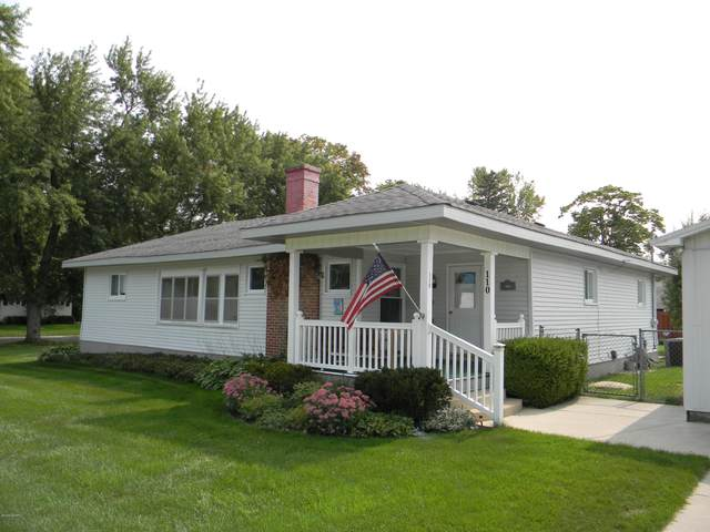 110 E Maple Avenue, Scottville, MI 49454 (MLS #20038243) :: JH Realty Partners